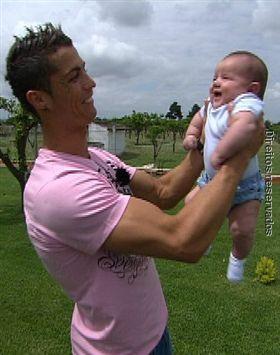 Fotoronaldo on El Hijo De Cristiano Ronaldo Jpg